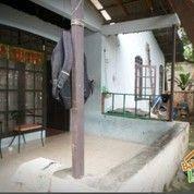 RUMAH SECOND SAMPING PERUMAHAN DEPOK TIMUR