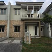Rumah Mewah Asri Dan Sangat Strategis Siap Huni Survana Mahoni (12639969) di Kota Tangerang