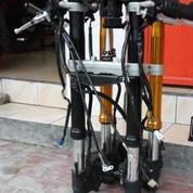 Usp Down Swing Arm Yamaha R1 (12737725) di Kota Surabaya