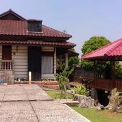 Villa Milik Pribadi Di Cisarua Bogor
