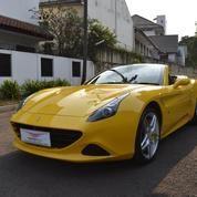 Ferrari California T Yellow 2015