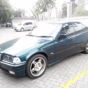 BMW 320i Limited Edition (13359129) di Kota Surabaya