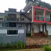 Villa Cipanas 6 Kamar Kolam Renang Pribadi