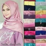 Jilbab Segiempat Satin Silk