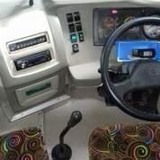 Bus Pariwisata Hino R260 Tahun 2013