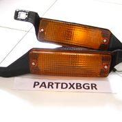 Lampu Sen Bemper Corolla DX Tahun 80 - 81 Sepasang