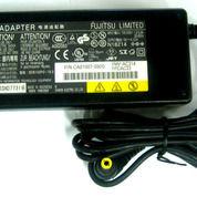 Adaptor Fujitsu 19V 4.22A (13845705) di Kota Surabaya