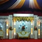 Pelaminan Spon Karet Langsung Tampil (14114215) di Kota Palembang
