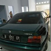 Mobil BMW Series 318i Manual (14144939) di Kota Jakarta Utara