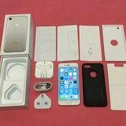 Iphone 7 128Gb Silver (14212629) di Kota Binjai