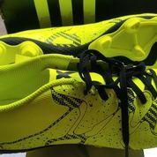 Sepatu Bola Adidas X 15.4 FxG