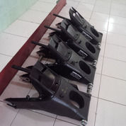 Swing Arm R6 Komplit Sama Velg (14356333) di Kota Tegal
