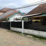 Rumah Dua Unit Lokasi Di Komplek Dekat Jalur Angkot Di Jatinangor (14465663) di Kota Bandung