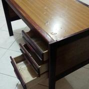 Meja Kantor Kami Mau Beli Sebanyak Mungkin (14487561) di Kota Yogyakarta