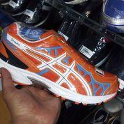 Sepatu Volli Mizun