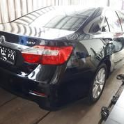 TOYOTA CAMRY 2.4 V 2013 BLACK PERFECT LIKE NEW