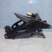 Swing Arm Honda Cbr 1000 (14659329) di Kota Surabaya