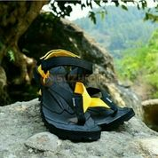 Sandal Gunung Suzuran Extreme X Mr1 Black W Black Yellow