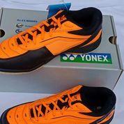 Sepatu Yonek Badbinton