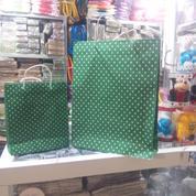 Paper Bag Polkadot Besar (14959597) di Kota Surabaya