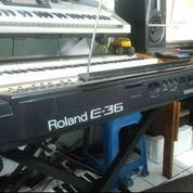 Keyboard Roland E-36 (14963233) di Kota Cimahi