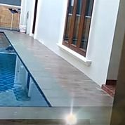 Rumah Megah Siap Huni Plus Swimming Pool Di Duren Sawit