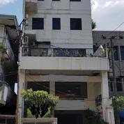 Hotel Di Pusat Kota Dekat Tunjungan (15248325) di Kota Surabaya