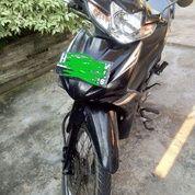 Sepeda Motor Revo/ Sepeda Motor Plat H/ Tahun 2011