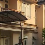 Rumah Bagus 2 Lantai Berperabot Sebagian Di Central Park Mulyosari, Surabaya (15999125) di Kota Surabaya