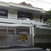 Rumah Mewah 2 Lantai Dengan 5 Kamar Tidur Di Satelit Utara Surabaya (15999565) di Kota Surabaya