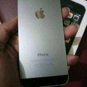 I Phone 5s 16 Gb Warna Grey (16455693) di Kota Banjarmasin
