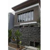 Rumah Mewah Sangat Cantik Bangunan Baru Gaya Minimalis Di Araya, Surabaya (16877055) di Kota Surabaya