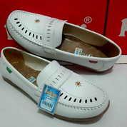 Sepatu Wanita Cewek Kickers Putih Dokter Perawat Bidan Casual Santai Flat Slip On Kerja Dinas (16891823) di Kab. Sidoarjo