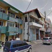 Gedung Strategis Bisa Untuk Berbagai Jenis Usaha Di Jalan Merak, Surabaya