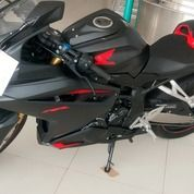 CBR 250R NON ABS Warna Hitam List Merah Baru Asli Langsung Dari Dealer (17088435) di Kota Banjarbaru