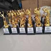 King Trophy Bandung Piala Karakter (17089095) di Kota Bandung
