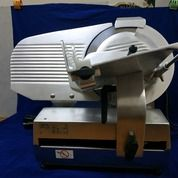 Meat Slicer Automatic. Omas Dampa Series