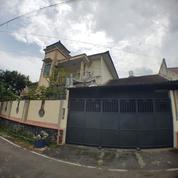 Rumah Hoek (Pojok 2 Sisi) Luas Dan Mewah Di Kota Ungaran