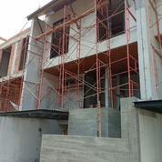 Rumah 3 Lantai Dengan 3 Kamar Dan Garasi 3 Mobil Di Jalan Bangka, Kemang