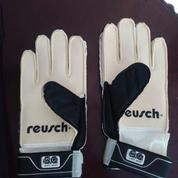Sarung Tangan Kiper - Goalkeeper Gloves REUSCH - Junior Size 6 (17472023) di Kota Jakarta Barat