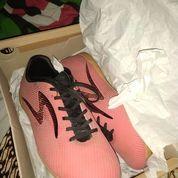 Sepatu Futsal Specs