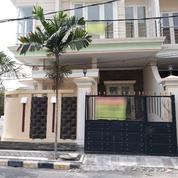 Rumah 2 Lantai Baru Dengan Posisi Hook Di Raya Mulyosari, Lingkungan Nyaman Dan Aman, Surabaya (17805911) di Kota Surabaya