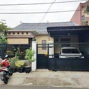 Rumah Bagus Pinggir Jalan Raya Depok Timur (17980307) di Kota Depok