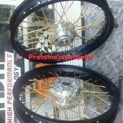 Velg Jari-Jari Variasi Untuk Motor Yamaha Vixion New (18099079) di Sawangan