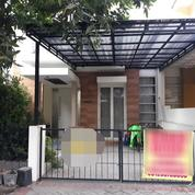 Rumah Bergaya Minimalis Cocok Untuk Investasi Masa Depan 2 Lantai, Jalan Depan Rumah Luas, Surabaya (18108407) di Kota Surabaya