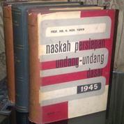 Buku Naskah Persiapan UUD 1945 Oleh. Prof.Mr.H.Muh.Yamin (3Jilid)