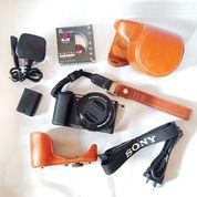 Sony A5100 Kamera Mirrorless MURAH Touch Screen Kit (MULUS 95%) (18169771) di Kota Surabaya