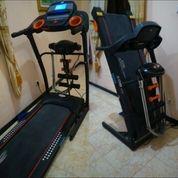 Treadmill Olahraga