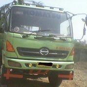 Self Loader Truck Hino Tahun 2005