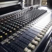 Mixer Soundcraft 24+2